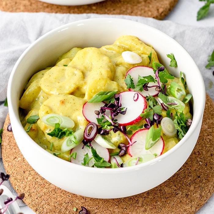 kartoffelsalat mit microgreens